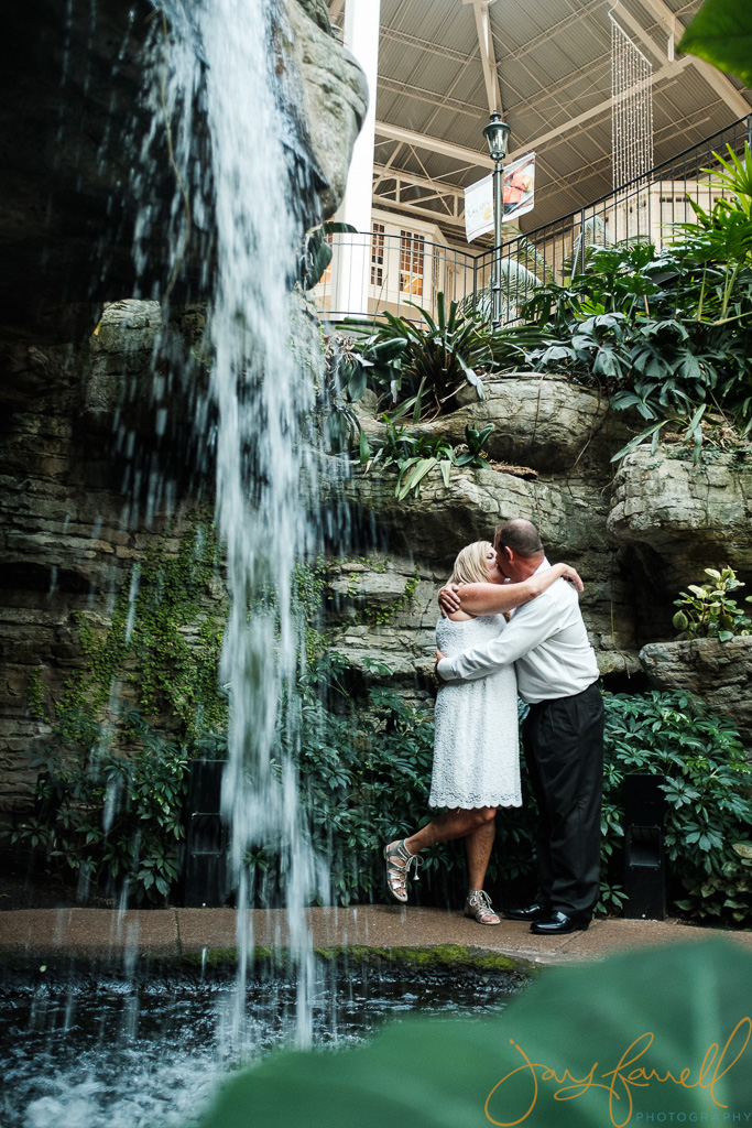 opryland hotel couple